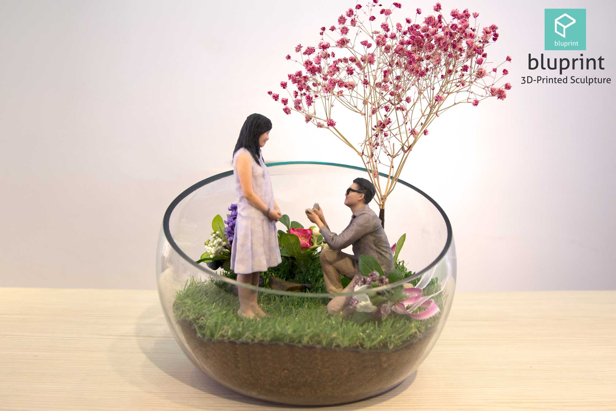 Bluprint 3D Figure Sculpture Hong Kong Couple Proposal Terrarium